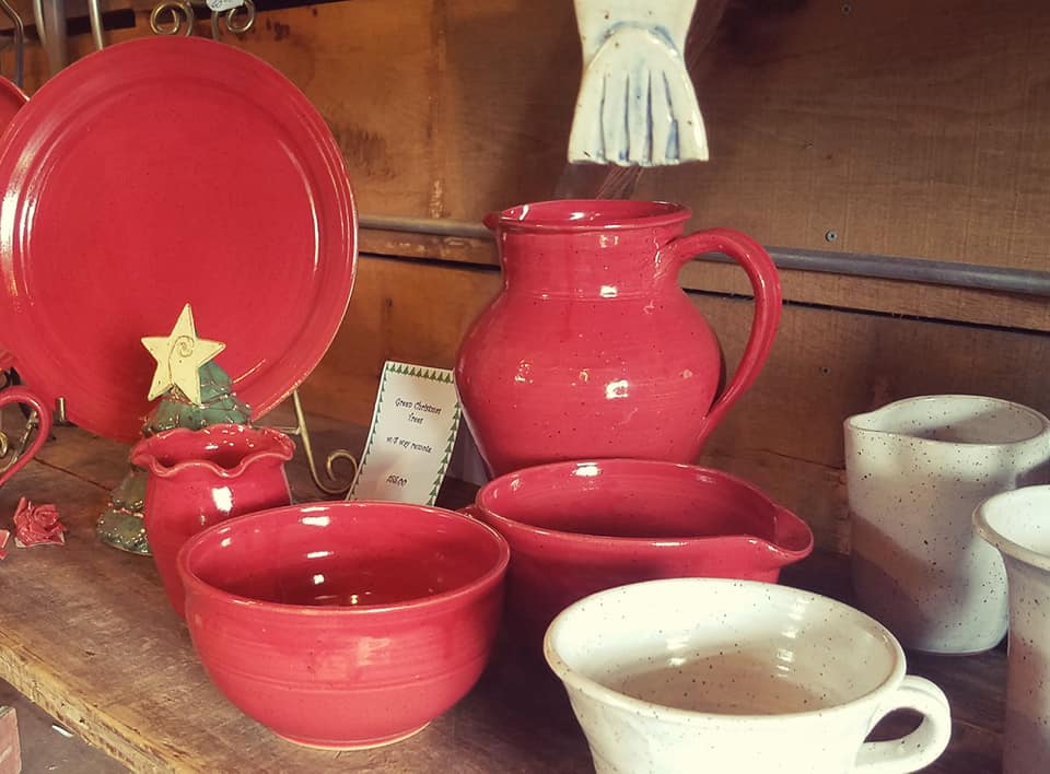 Red pottery wares.